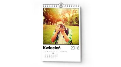 Mały fotokalendarz wiszący A5 ze zdjęciami z instagramu od Alboom.pl